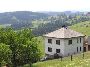 maison sur terrain en pente